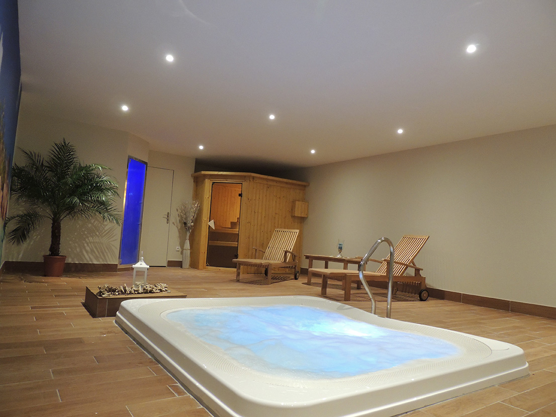 hotel plaisir 78 hotel garabel plaisir france reviews. Black Bedroom Furniture Sets. Home Design Ideas